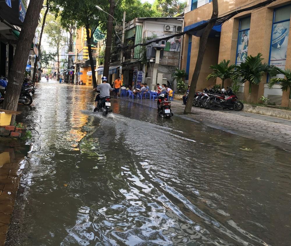 Theo các chuyên gia, tình trạng ngập nghẹt ở TP Cần Thơ một phần do ảnh hưởng của sụt lún đất.