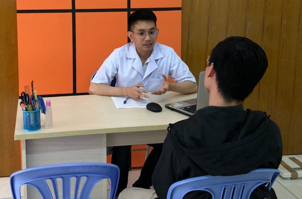 Hướng dẫn cho khách hàng dùng PrEP tại phòng khám Glink Cần Thơ.