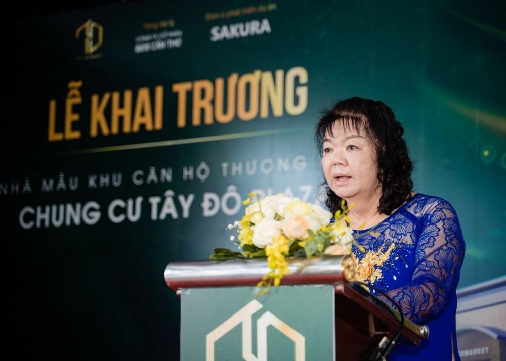 Đại diện Chủ đầu tư Công ty Cổ phần Nghỉ dưỡng Sinh thái Tây Đô – bà Trần Minh Hà phát biểu tại buổi lễ.