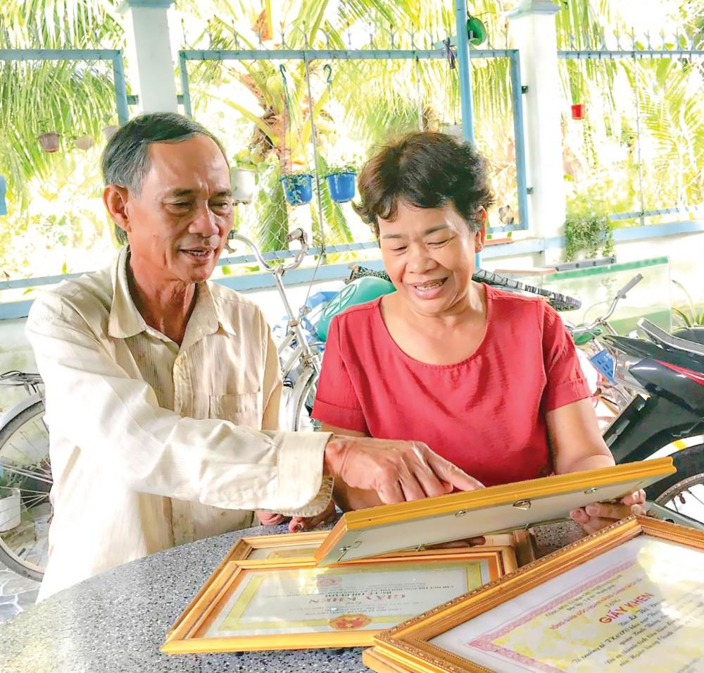 36 năm hôn nhân, vợ chồng cô Lê Thị Đượm luôn đồng lòng xây dựng gia đình hạnh phúc.