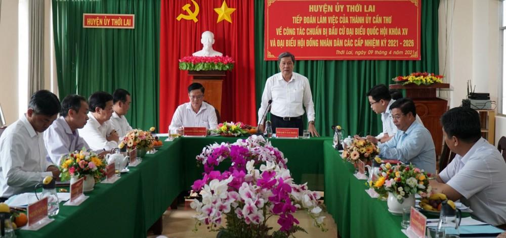 Đồng chí Phạm Văn Hiểu, Phó Bí thư Thường trực Thành ủy, Chủ tịch HĐND thành phố, phát biểu kết luận buổi kiểm tra.