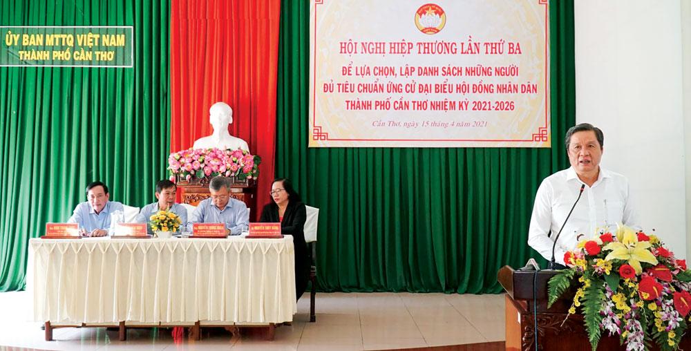 Đồng chí Phạm Văn Hiểu, Phó Bí thư Thường trực Thành ủy, Chủ tịch HĐND thành phố phát biểu chỉ đạo tại hội nghị. Ảnh: ANH DŨNG