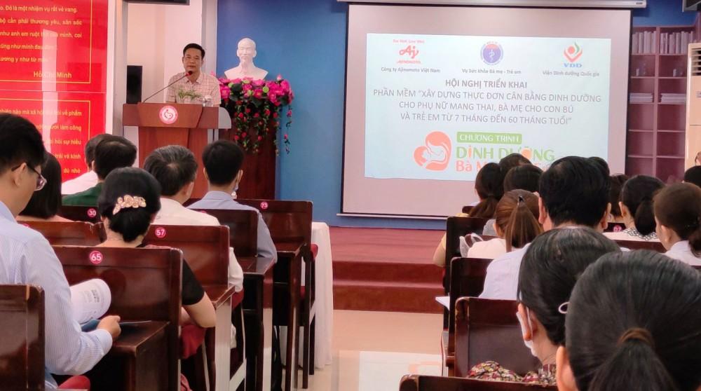 Ông  Trần Đăng Khoa, Phó Vụ trưởng Vụ sức khỏe Bà mẹ-Trẻ em, Bộ Y tế phát biểu tại hội nghị.