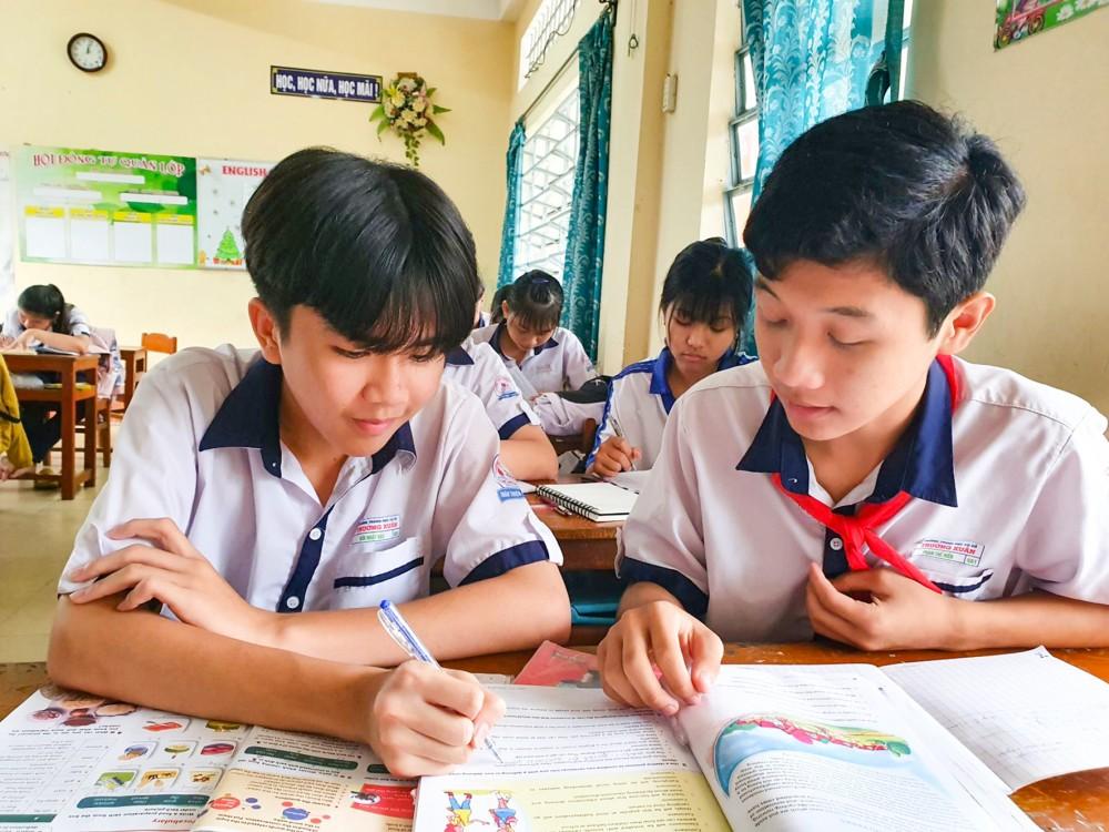 Học sinh Trường THCS Trường Xuân đang tăng tốc ôn luyện cho thi tuyển sinh lớp 10 sắp tới.