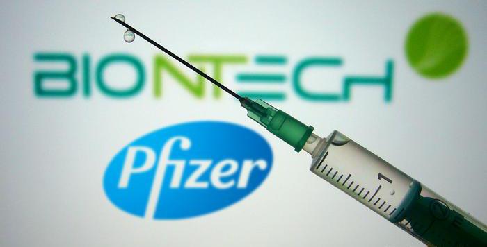 Vaccine COVID-19 của Pfizer/BioNTech sử dụng công nghệ mới mRNA.