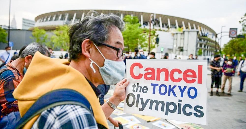 Người dân Nhật biểu tình đòi hủy Olympic Tokyo. Ảnh: thebridge