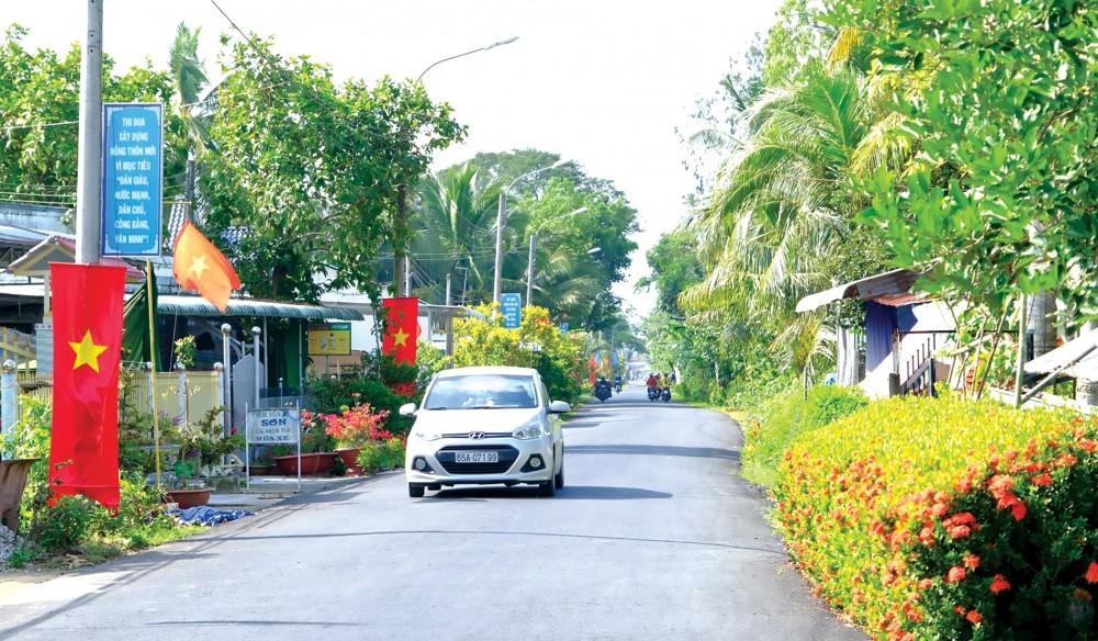 Diện mạo vùng nông thôn thay đổi rõ rệt sau 10 năm xây dựng NTM. Ảnh chụp đoạn đường giao thông tại huyện NTM Thới Lai, TP Cần Thơ. Ảnh: T. TRINH