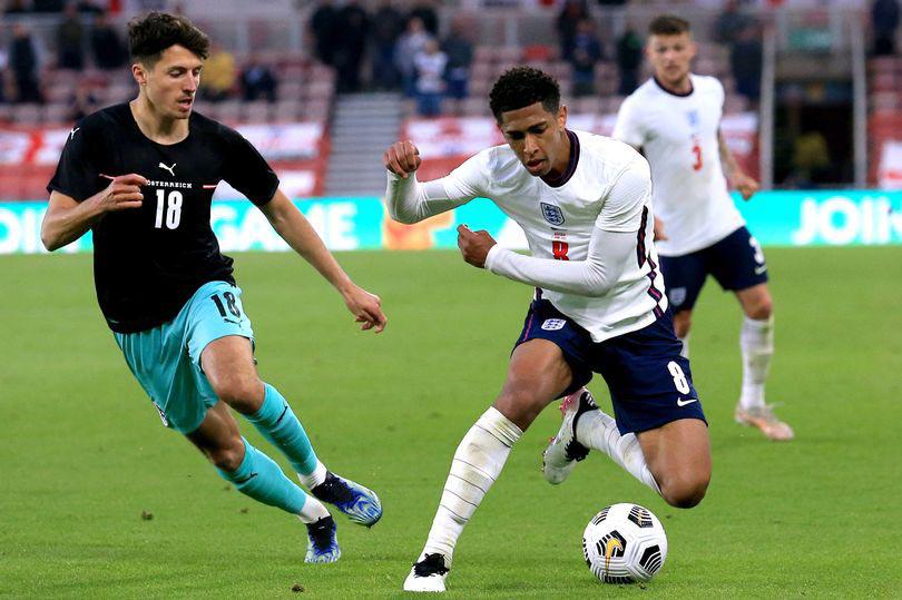 Bellingham (giữa) trong trận giao hữu thắng Áo 1-0. Ảnh: PA