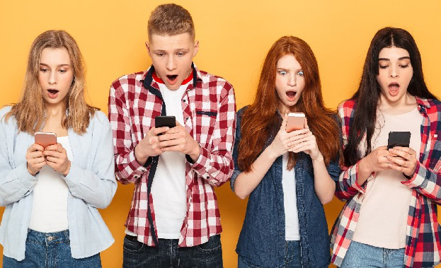 Thanh thiếu niên thường là mục tiêu nhắm tới của bọn tội phạm mạng.
