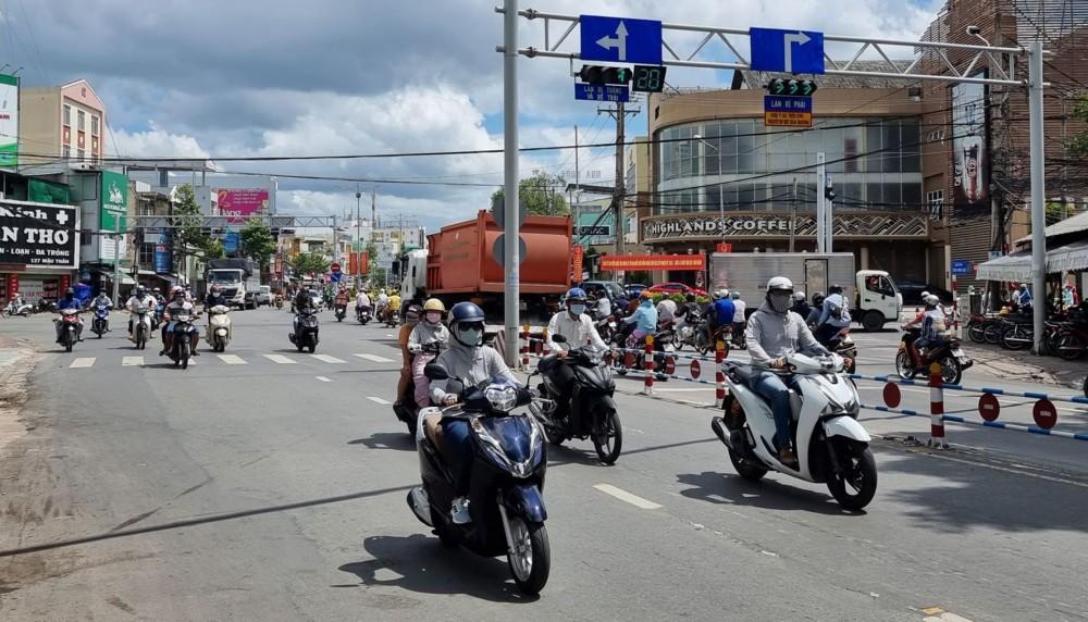 Hiện trạng xe lưu thông tại nút giao đường Mậu Thân với đường 3 Tháng 2, Trần Hưng Đạo.