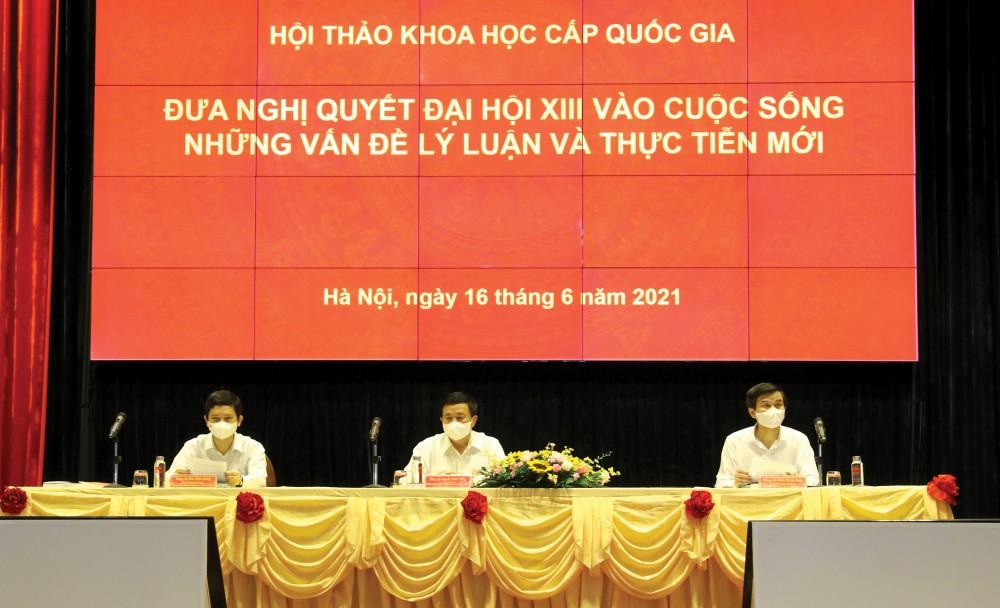 GS.TS Nguyễn Xuân Thắng, Ủy viên Bộ Chính trị, Giám đốc Học viện Chính trị quốc gia Hồ Chí Minh, Chủ tịch Hội đồng Lý luận Trung ương chủ trì Hội thảo. Ảnh: NGUYỄN ĐIỆP - TTXVN