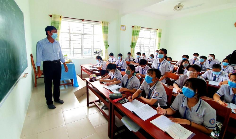Giờ học của học sinh lớp 12 Trường THPT Thới Lai vào tháng 5-2021.