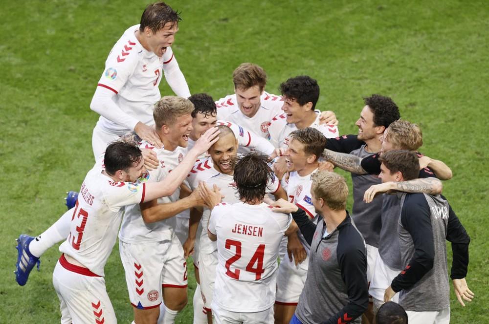 Cầu thủ Đan Mạch đang gây bất ngờ. Ảnh: Reuters