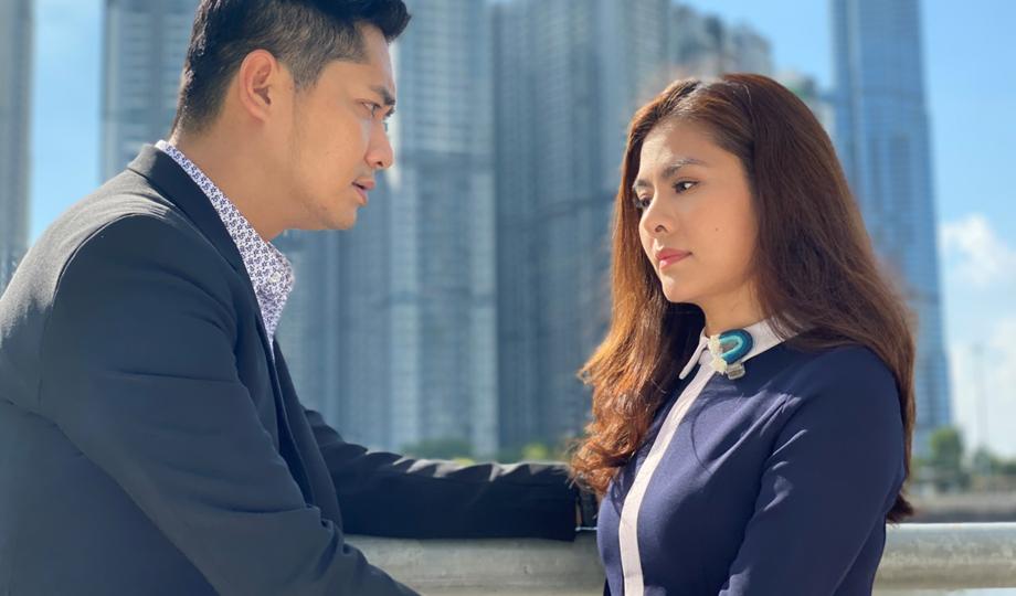 Vì trả thù, Khiêm (Minh Luân, trái) thuyết phục người yêu là Thanh Vân (Vân Trang) tiếp cận Đăng Duy.