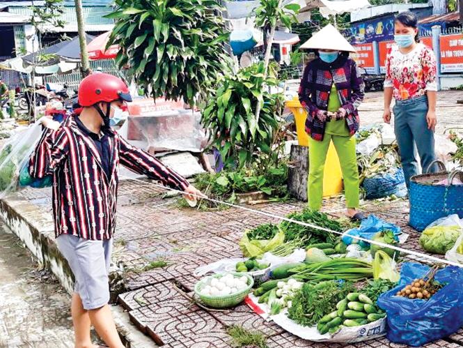 Hội LHPN phường Thới Long kết nối và tổ chức tiêu thụ nông sản cho hội viên phụ nữ.