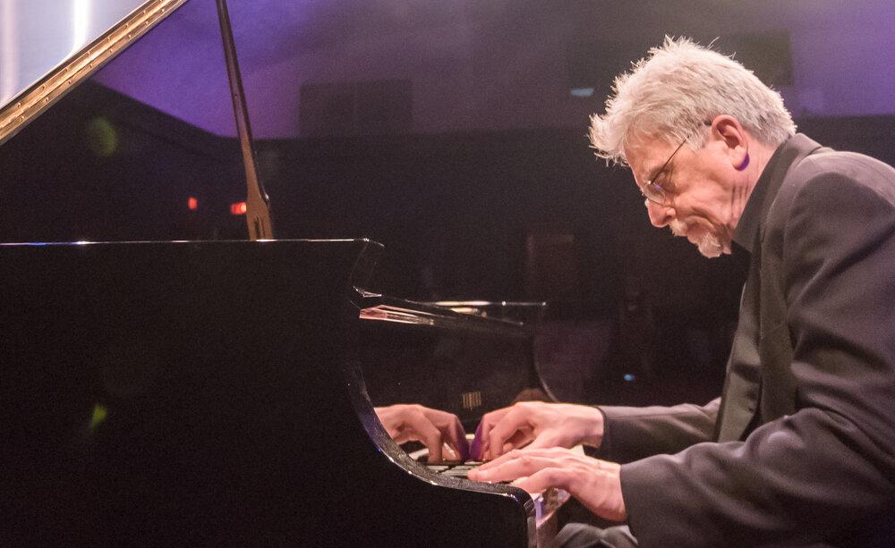 Giáo sư Robert McDonald sẽ trình diễn tại Olympic Music Festival.