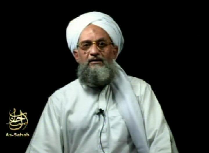 Thủ lĩnh al Qaeda Ayman al-Zawahri,  người được cho đã chết, xuất  hiện trong đoạn video mới đây nhân ngày kỷ niệm 20 năm vụ tấn công khủng bố hôm 11-9 vừa qua. Tuy nhiên, người ta không rõ độ chân thật của ảnh chụp ông này. Ảnh: AP