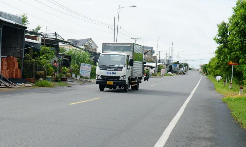 Quốc lộ 91, đoạn qua địa bàn phường Tân Hưng luôn thông thoáng, bảo đảm an toàn giao thông.