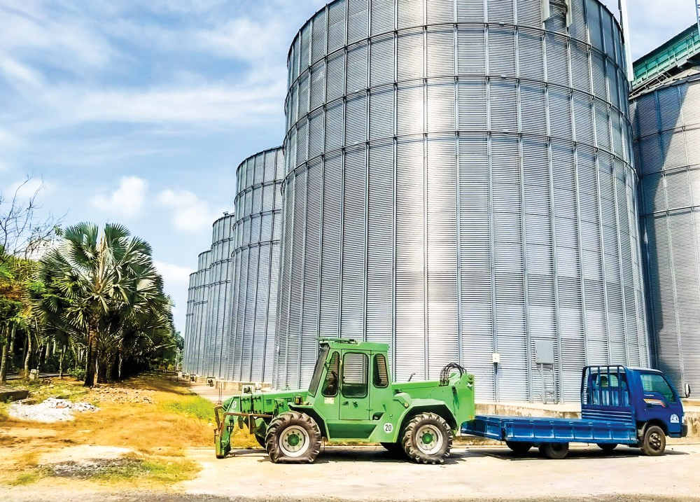 Các si lô dự trữ lúa gạo của Công ty CP Nông nghiệp công nghệ cao Trung An.