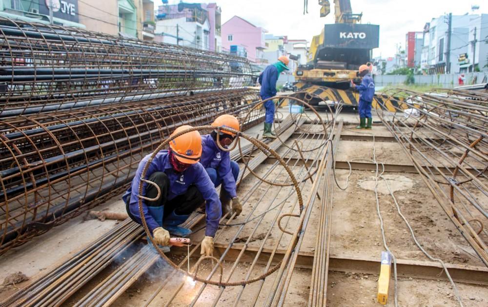 Gói thầu cầu và đường dẫn vào cầu Trần Hoàng Na đang gấp rút đẩy nhanh tiến độ thi công.