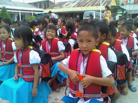 Môi trường an toàn cho trẻ em nghèo