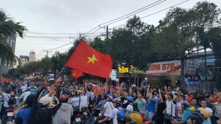 Người dân Cần Thơ ăn mừng chiến thắng của U23 Việt Nam
