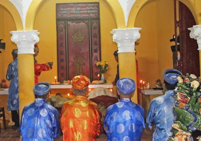 Sau khi đưa Sắc Thần về an vị, hương chức đình tiến hành Lễ tế Thần Nông. Thần Nông là vị thần cai quản việc trồng trọt, chăn nuôi của nhà nông nên chiếm một vị trí quan trọng trong đời sống tinh thần của cư dân Nam bộ.