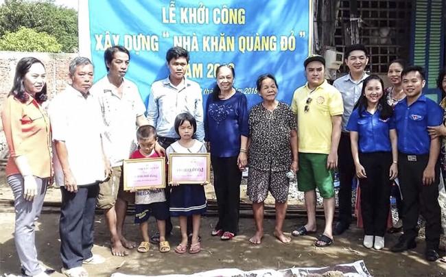 """Đoàn phường Thới An, quận Ô Môn vận động cất tặng """"Nhà khăn quàng đỏ"""" cho trẻ em có hoàn cảnh đặc biệt khó khăn ở địa phương."""