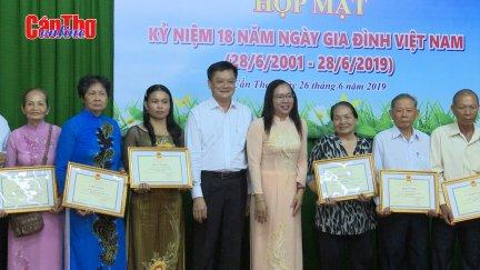 Họp mặt Kỷ niệm Ngày Gia đình Việt Nam