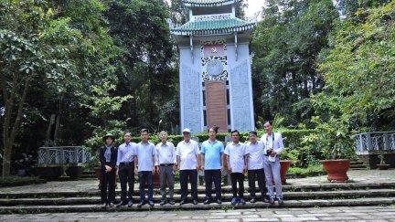 Hội Nhà báo thành phố tổ chức cho hội viên đi thực tế tại miền Đông