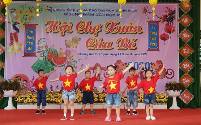 Tiết mục văn nghệ mừng Xuân của học sinh Trường Mầm non Họa Mi, quận Bình Thủy