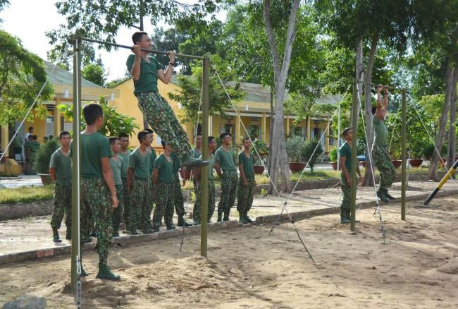 Mỗi ngày, bộ đội phải luyện tập cự ly từ 45 đến 50km. Để đảm bảo sức khỏe, Tiểu đoàn 6 chú trọng việc rèn luyện thể lực cho cán bộ, chiến sĩ. Nhờ nghiêm túc tập luyện nên quân số khỏe luôn đạt trên 99%, góp phần nâng cao chất lượng huấn luyện.