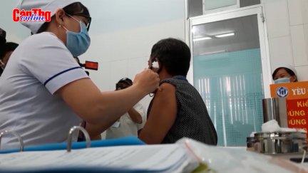 Thử nghiệm lâm sàng giai đoạn 2 vắc-xin ngừa COVID-19