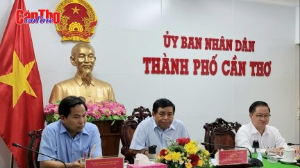 Bộ trưởng Bộ Kế hoạch và Đầu tư làm việc với lãnh đạo TP Cần Thơ