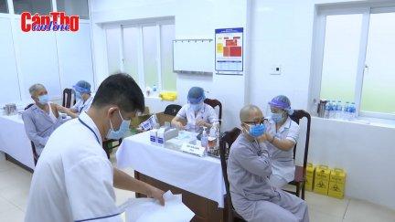 Công an TP Cần Thơ tổ chức tiêm ngừa COVID-19 cho chức sắc, chức việc, người có uy tín các tôn giáo
