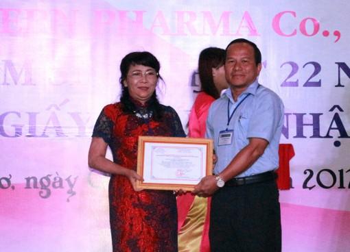 Đón nhận giấy chứng nhận CGMP-ASEAN