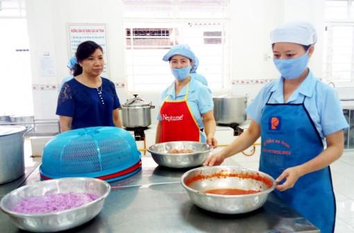 Đảm bảo an toàn vệ sinh thực phẩm trong trường học