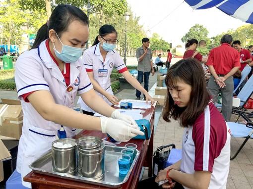 Những điều cần biết về hiến máu tình nguyện