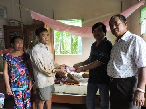 Nhà hảo tâm tặng em Nguyễn Vũ Linh 5 triệu đồng
