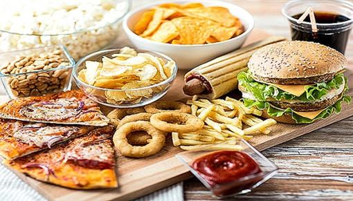 Thói quen ăn mặn hủy hoại lợi khuẩn  đường ruột