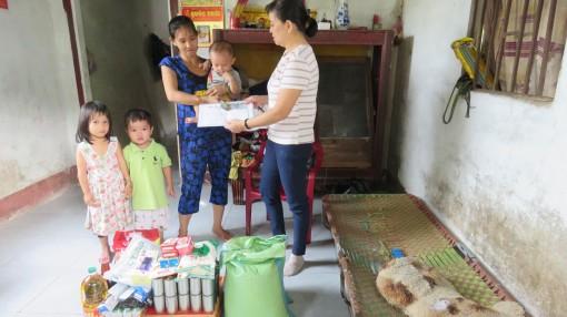 Nhà hảo tâm giúp vợ, con anh Nguyễn Văn Lý