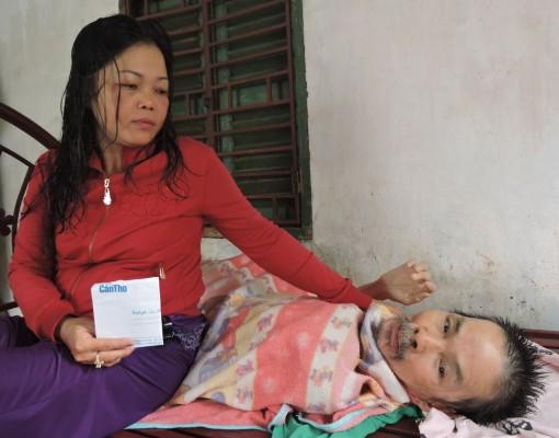 Giúp đỡ người cao tuổi, bệnh tật