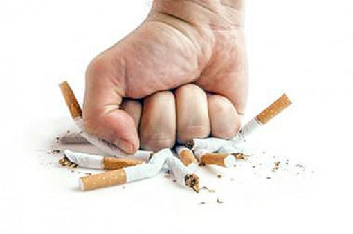 Bỏ thuốc lá giúp giảm nguy cơ mất trí nhớ
