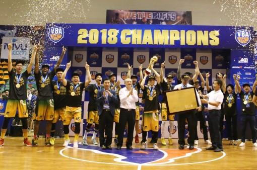 Cantho Catfish nâng cúp vô địch VBA 2018 tại Hà Nội