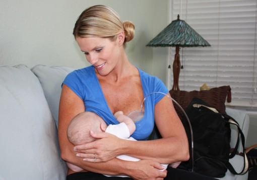 Bú sữa mẹ trực tiếp giúp trẻ tăng cân tốt nhất