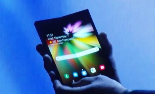 Samsung sắp sản xuất đại trà màn hình vô cực dẻo