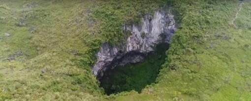 Hang động thuộc diện lớn nhất thế giới cỡ 10 sân bóng được phát tích