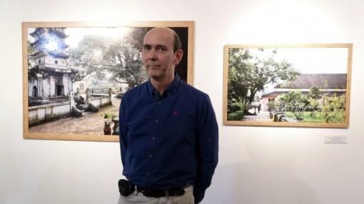 """Nhiếp ảnh gia Nicolas Cornet và """"chùa Việt Nam"""""""
