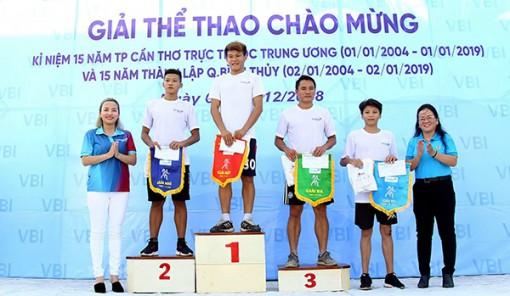 Trao 34 giải thưởng cá nhân tại Giải Việt dã Bảo hiểm Vietinbank quận Bình Thủy