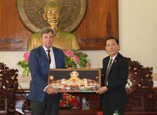 Lãnh đạo thành phố tiếp đại sứ Argentina tại Việt Nam